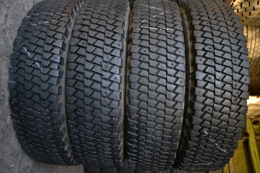 Uniroyal Monoply Ms800 12/75 R22.5C